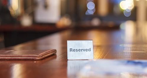 rezervacia; stol; restauracia